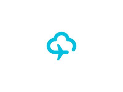 这是一张带有蓝色云朵和飞机的旅行logo的照片.