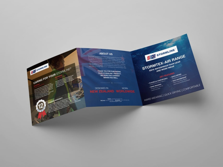 Z折叠小手册由YaseenArt设计公司设计