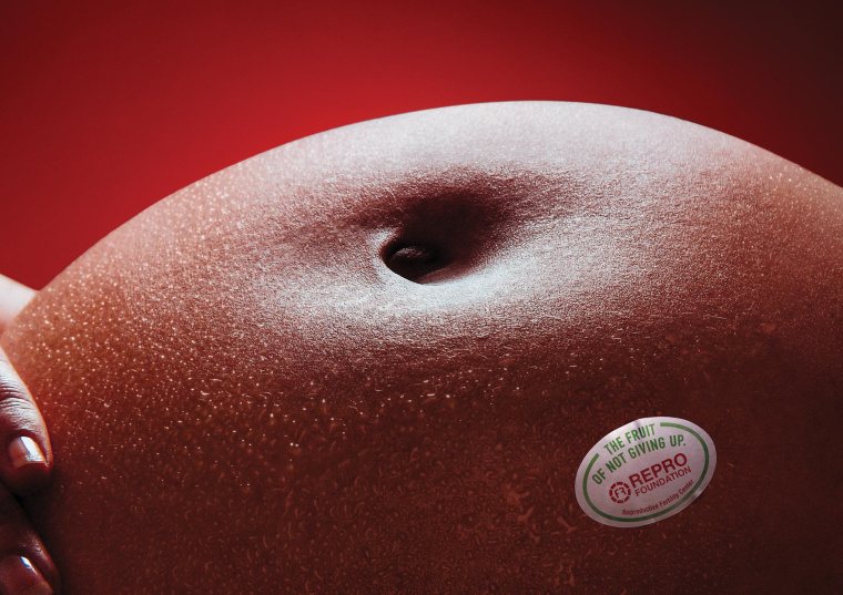 "REPRO 公益基金会鼓励生育创意平面广告设计""不放弃的果实-苹果""篇"
