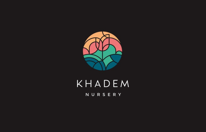 """由几何形状组成的圆形徽标logo设计,它们组合在一起,形成一个带有""""Khadem Nursery""""文字的花朵图像"""